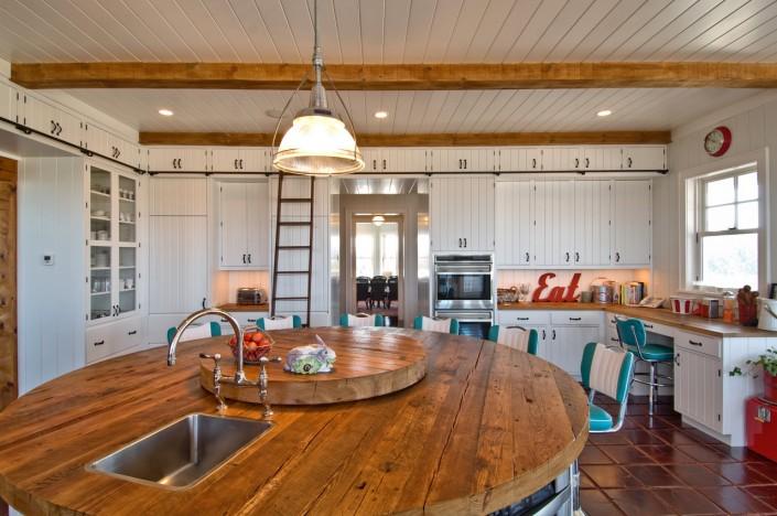 Hamptons Retro Rustic Kitchen with Island Sink