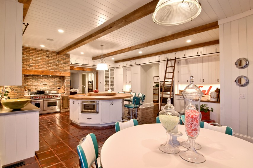 Hamptons Retro Rustic Kitchen with White Cabinets