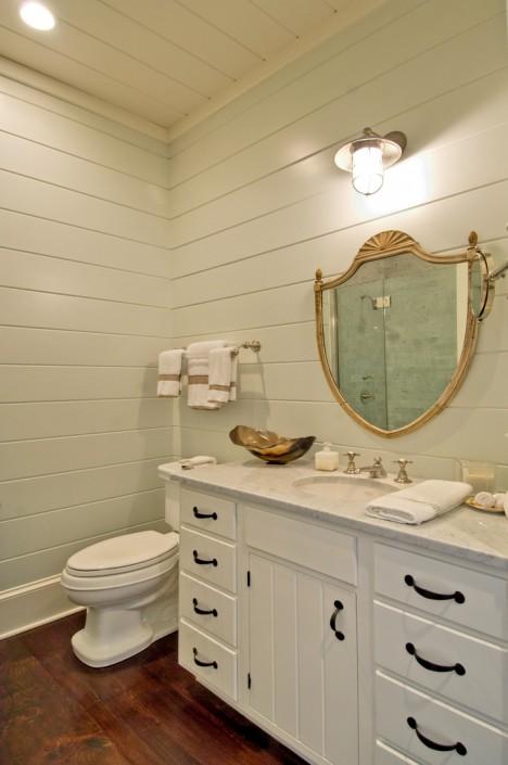Hamptons Bathroom with Decorative Mirror