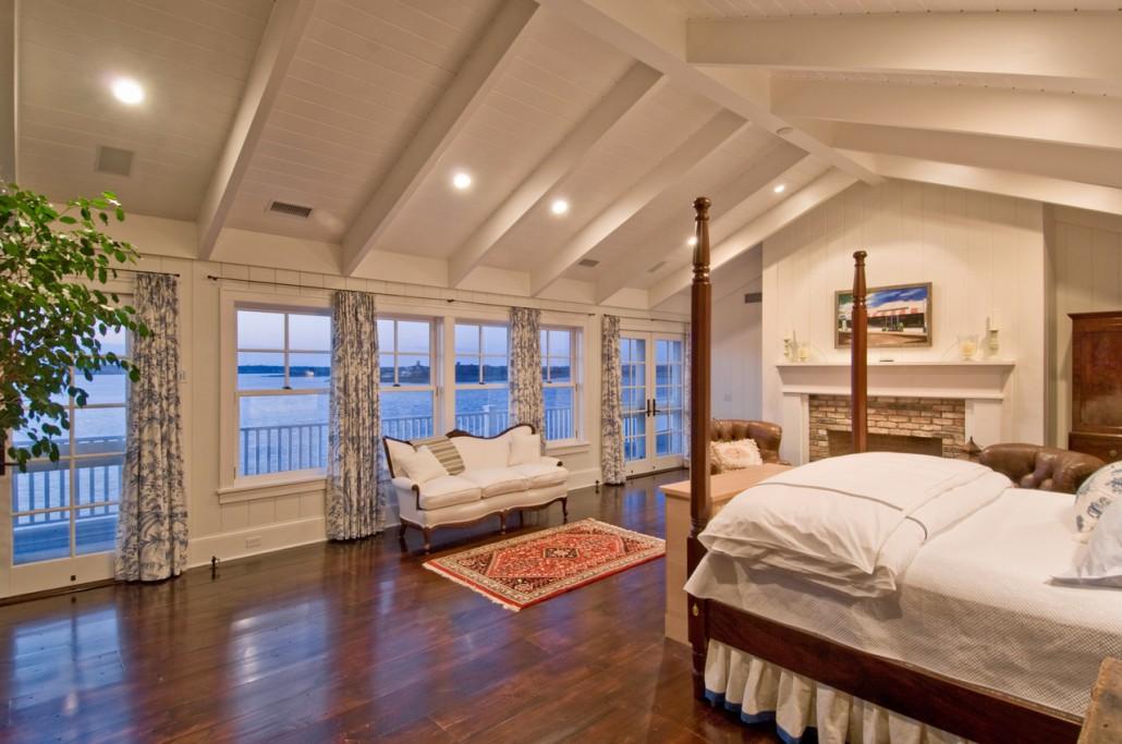 Bedrooms hamptons habitat for Beach house rooms ideas