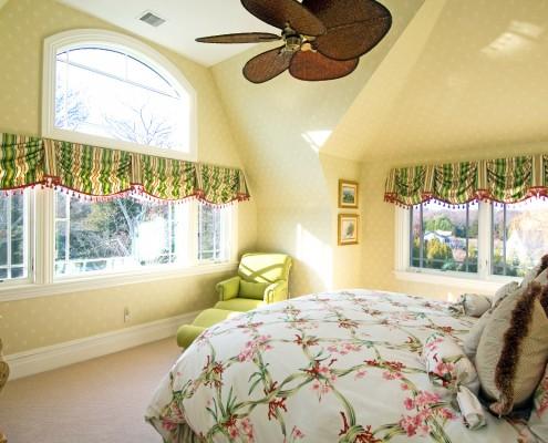 Bumblebee Manor - Green Bedroom
