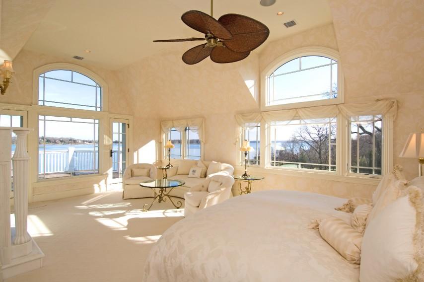 Bumblebee Manor - Master Bedroom Waterview
