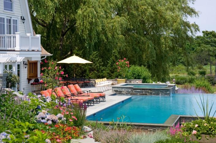 Bumblebee Manor - Pool House Hot Tub