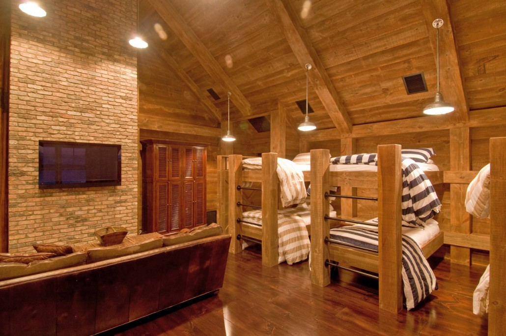 Industrial rustic bunk room hamptons habitat Bunk room designs