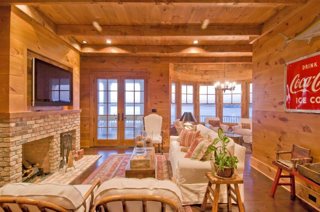 Rustic Family Room - Hamptons Habitat