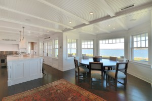 Dune Road Luxury Kitchen & Breakfast Nook