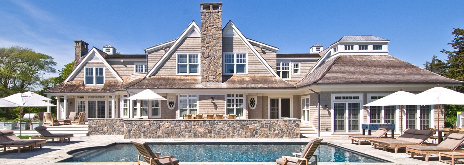 Luxury beach homes exterior - Luxury Beach Homes Exterior Westhampton Luxury Home Rear Exterior 01 1600x570